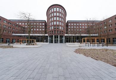 Courtyard Building, Utrecht (1)